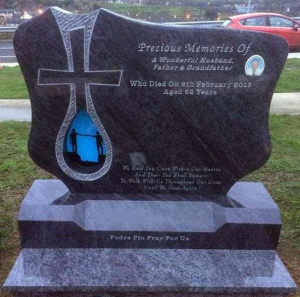Derry customised headstone
