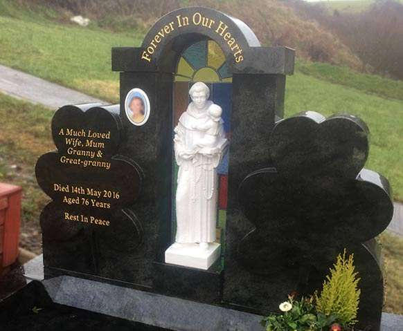 shamrock headstone derry